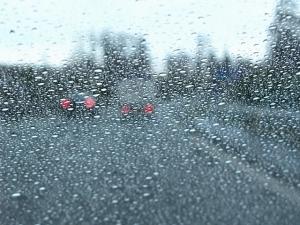 Lluvia y asfalto