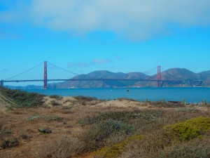 Golden Gate Bridge desde la costa.